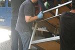 Пренасяне на техника и оборудване с хамали