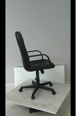 много модели на работни офис столове